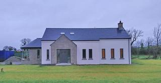 Home in Coagh with rounded porch